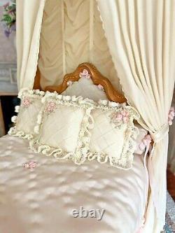 2001 Miniature Dollhouse Judee Williamson IGMA Artisan Silk Ladies Romantic Bed
