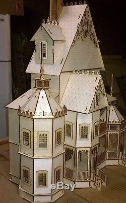 Ashley Gothic Victorian Dollhouse 124 scale Kit