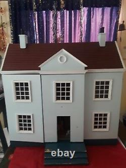 Dollhouse 1990's With Dolls & Furniture