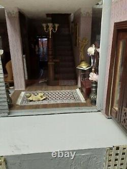 Dollhouse- Psycho House. Reproduction of the Bates house from the movie