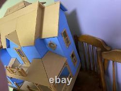 Dura-Craft Bellingham Farm House Kit BL 455 3-Story Doll House