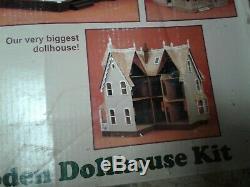 Garfield Doll House Kit