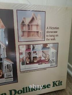 Greenleaf THE MCKINLEY WOODEN DOLLHOUSE Kit in 1 scale Made in USA #8009
