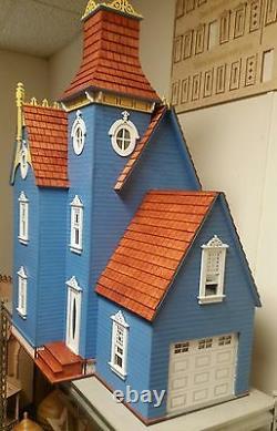 Hamlin Victorian 112 scale Dollhouse with working garage