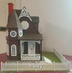 Jasmine 2 Gothic Victorian Cottage 124 Scale Dollhouse Kit