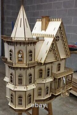 Leon Gothic Victorian 124 Scale Dollhouse Kit