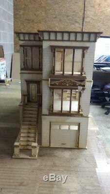 Lisa San Francisco Painted Lady 124 Scale Dollhouse Kit