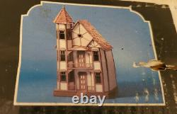 Mansions in Miniature by Dura-Craft Sanfransican SF550 Vintage Dollhouse 1982