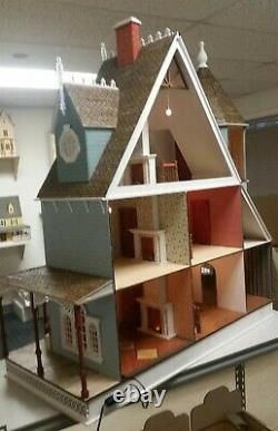 New Leon Gothic Victorian 112 Scale Dollhouse Kit