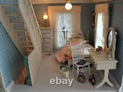 Shabby Chic Cottage 112