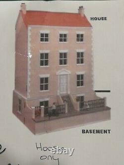 THE VINE doll's house house only 28 x 31.5