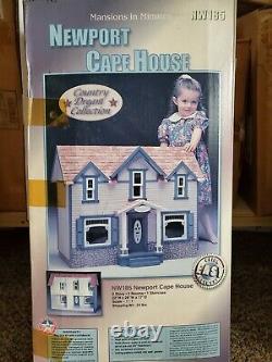 VINTAGE Duracraft -Newport Cape- wood Dollhouse Kit 112