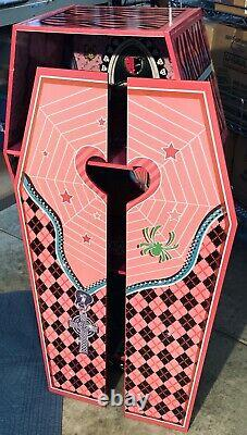 Vampire Villa Coffin Wooden Dollhouse Rare Teamsons Kids Monster High -Halloween