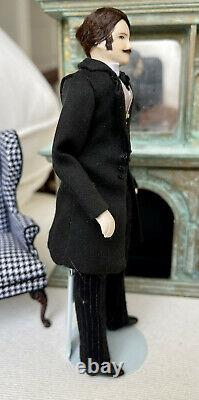 Vintage Miniature Dollhouse Doll Artisan Helen Cohen Porcelain Men Character